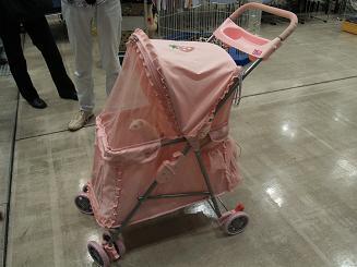 姫系のペットカート。ピンク